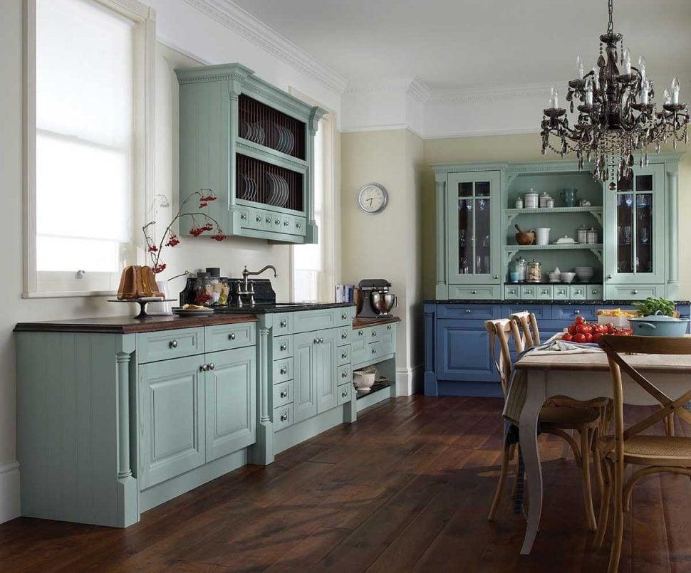 Schabby Möbel in unterschiedlichen Farben
