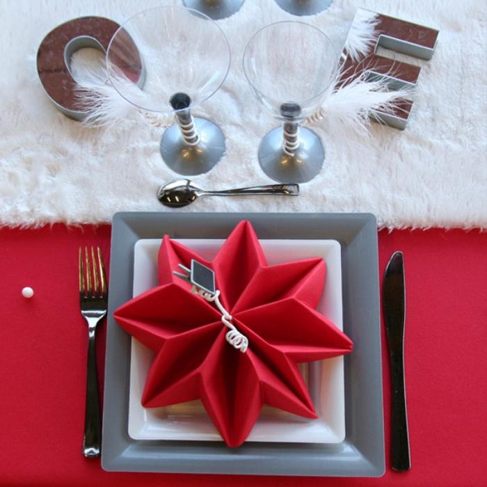Servietten falten Stern Tischdeko Weihnachten