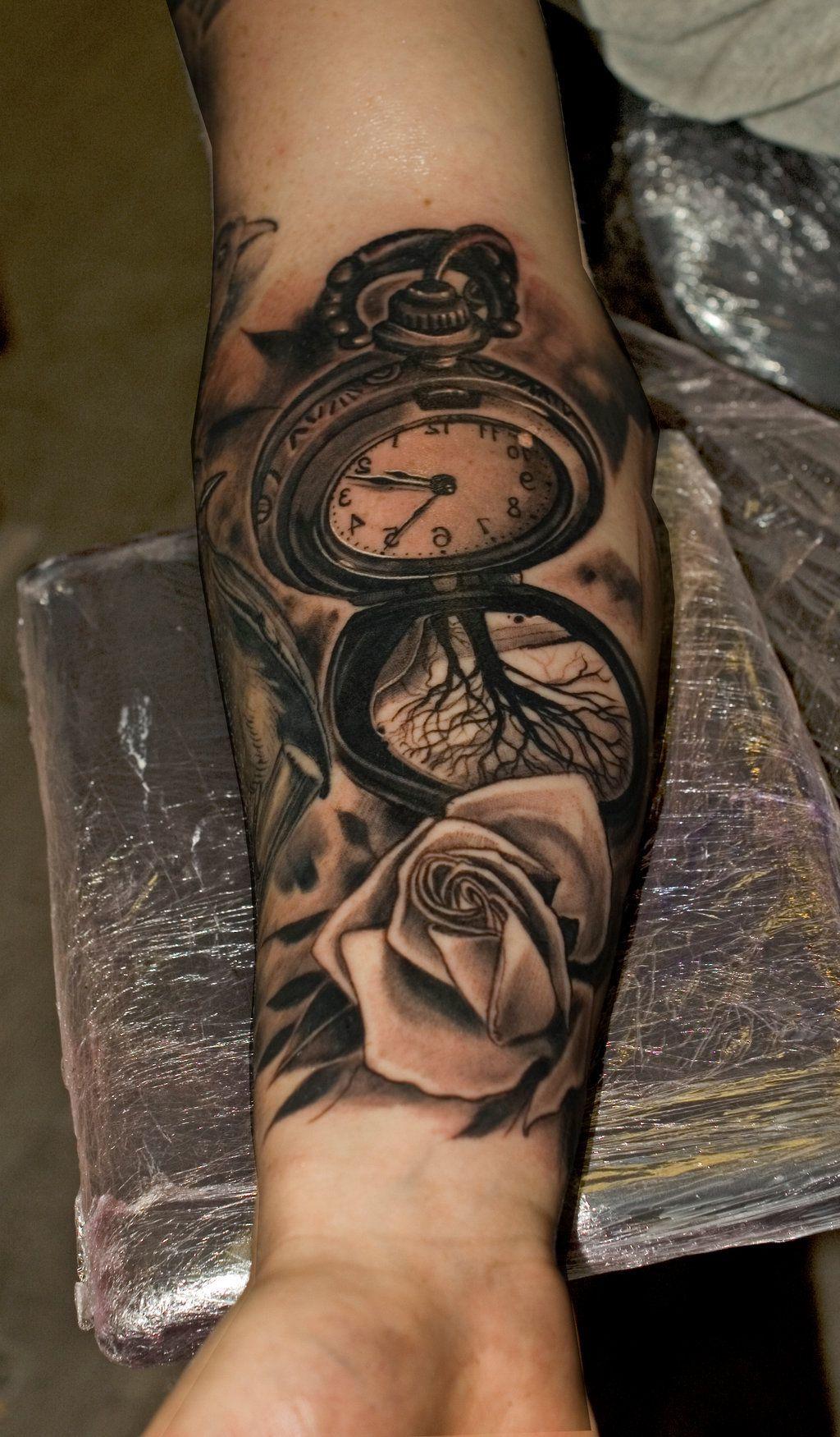 Tattoo Taschenuhr mit Rosen Tattoo Motive