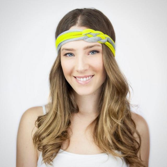 Frisur mit Haarband Stirn offenes Haar