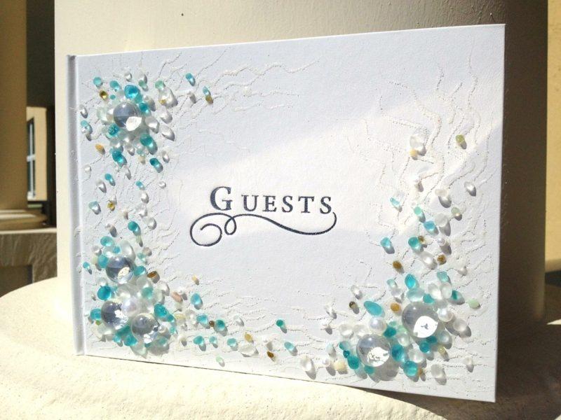Gästebuch Hochzeit gestalten mit Strasssteinen