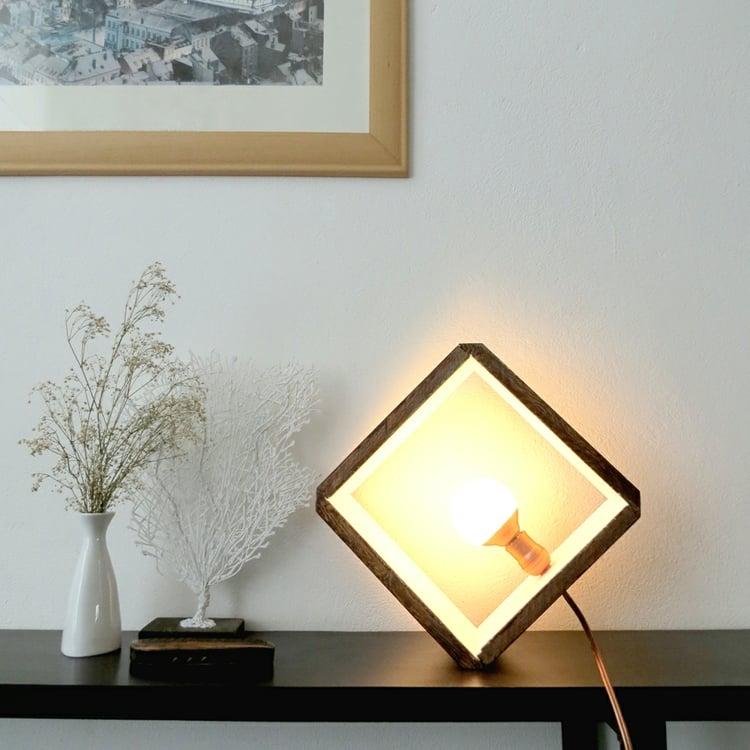 Lampe Glühbirne herrliche Idee mit Holzrahmen