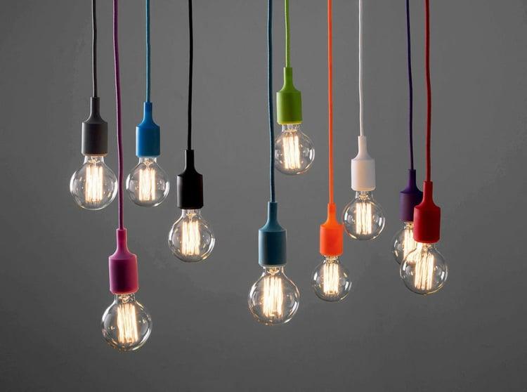 Lampe Glühbirne Kabel Fassung farbig