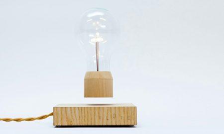 Lampe Glühbirne Magnet Holzplattform