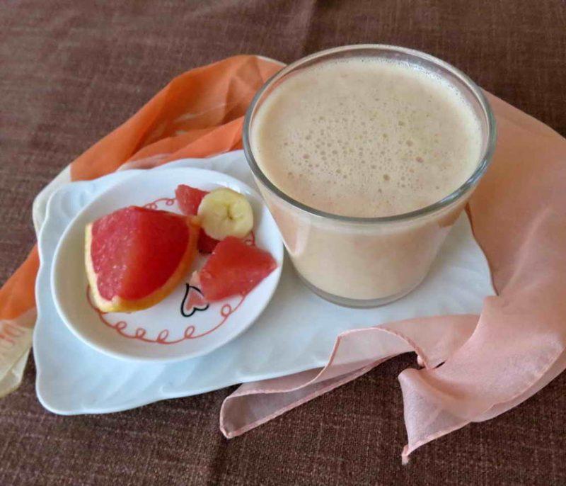 Erfrischungsgetränk Smoothie mit Grapefruit