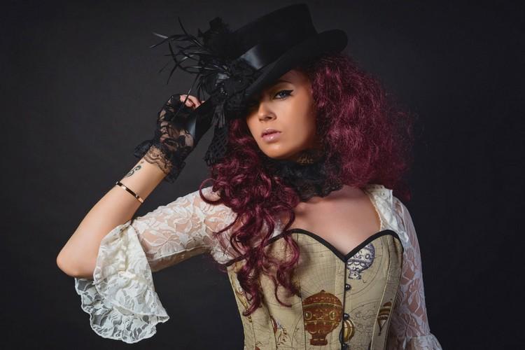 Steampunk Kleidung Frau Hut prachtvolles Kleid