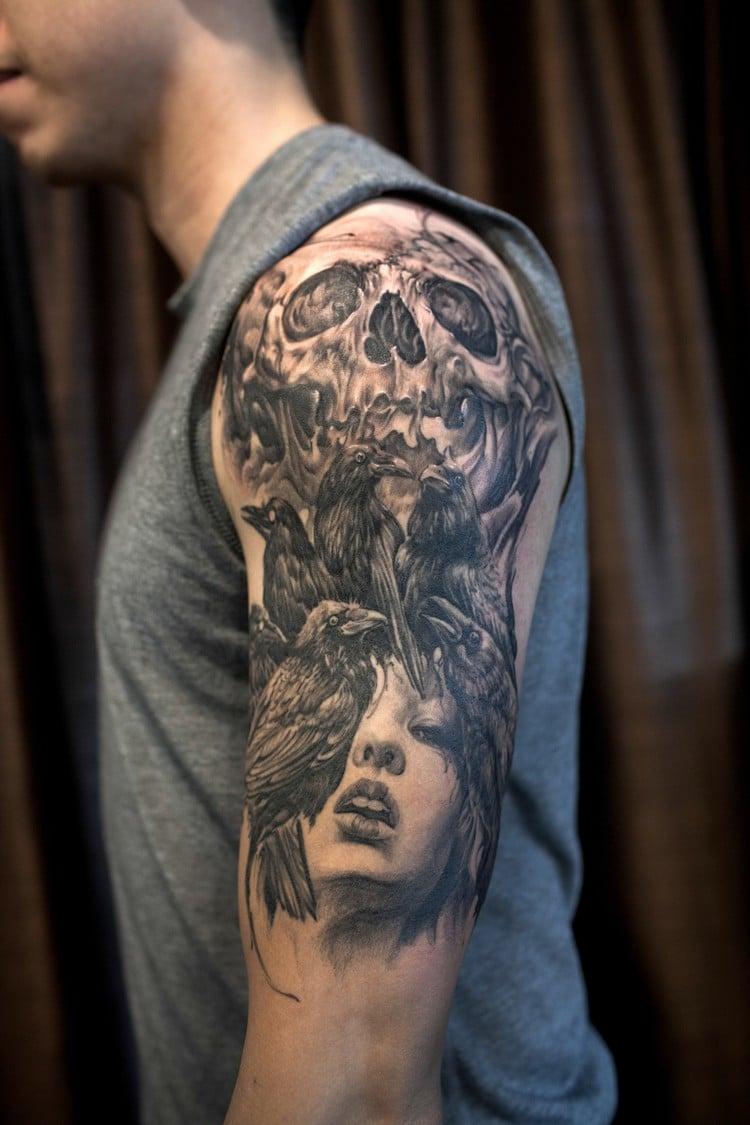 coole Tattoos für Männer Totenkopf Frau Raben