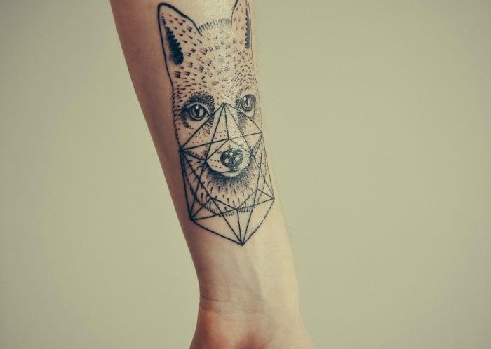 coole Tattoos für Männer Fuchs geometrisch