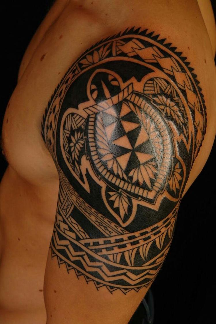 coole Tattoos für Männer Schildkröte Maori