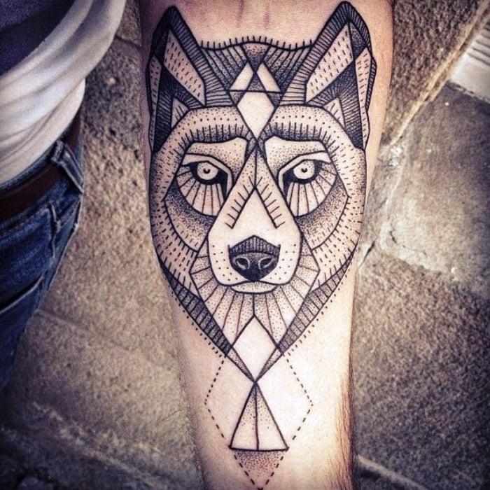 coole Tattoos für Männer geometrisch Wolf