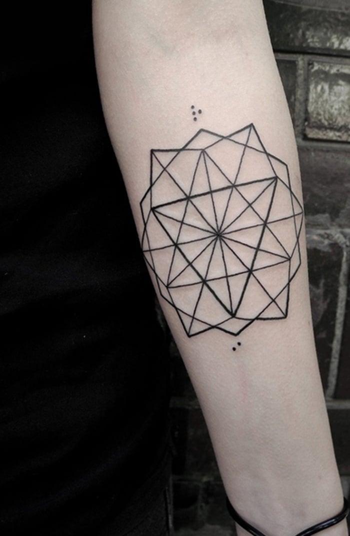 coole Tattoos für Männer geometrisch simpel