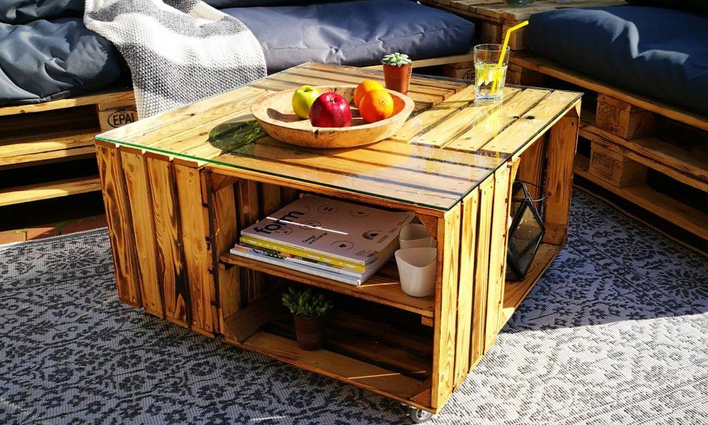 tisch aus weinkisten selber bauen ideen und anleitungen. Black Bedroom Furniture Sets. Home Design Ideas