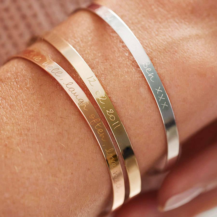 Valentinstag Geschenke für Frauen: personalisierte Armband