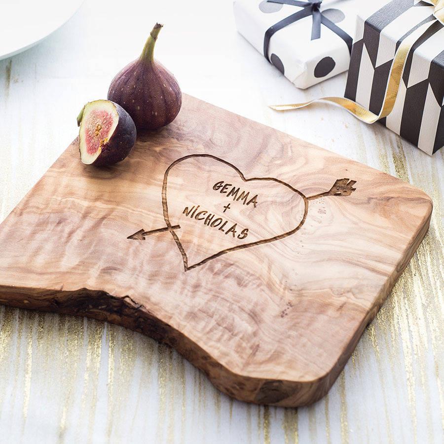 Käsebrett mit Ihren Namen und viel mehr Ideen für Valentinstag Geschenke