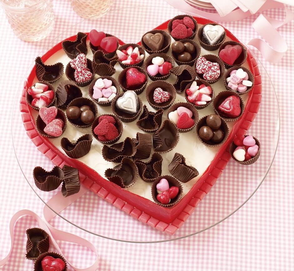 Pralinenschachtel in Herzform eine klassische Überraschung für Valentinstag Geschenke