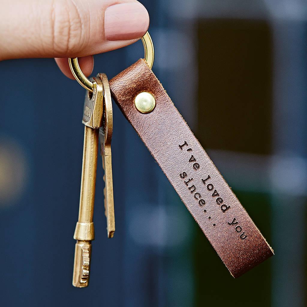 Schlüsselanhänger für Ihren Mann ist ein tolles Geschenk für Valentinstag