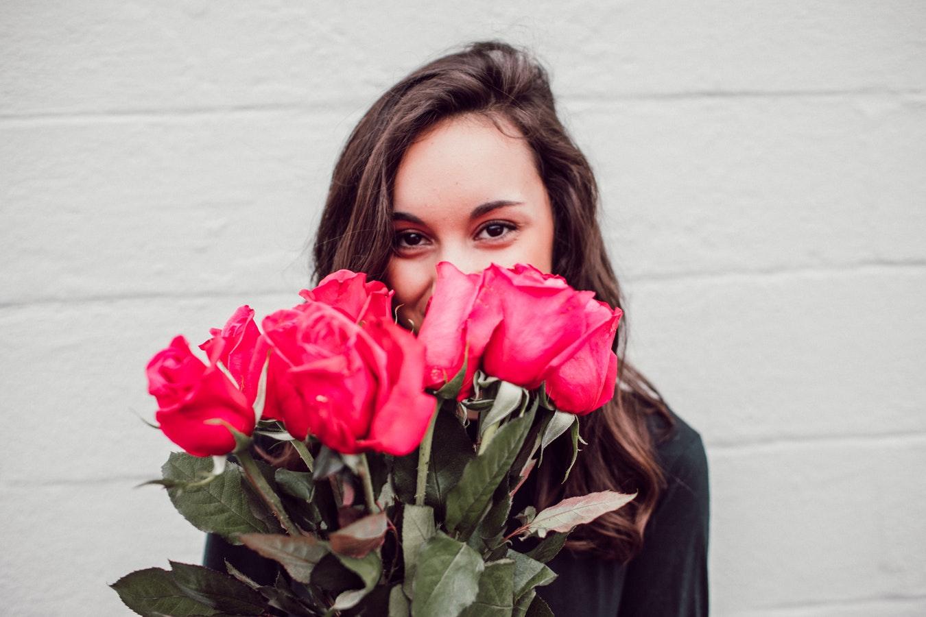 Wählen Sie das perfekte Kleid für Valentinstag