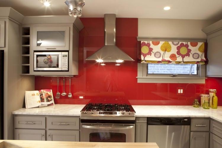 Küche Wandfarbe Dunkelrot Spritzschütz Glas