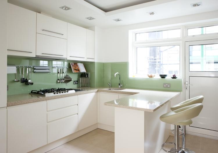 Küche Wandfarbe Minze Spritzschütz Glas