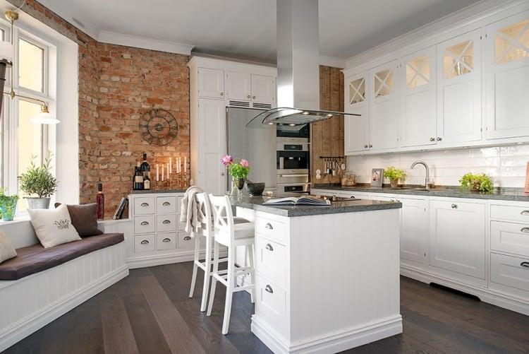 Küche Wandfarbe Creme raue Ziegelwände