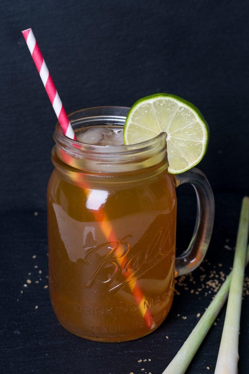 Erfrischungsgetränk Eistee Zitronengras Limette
