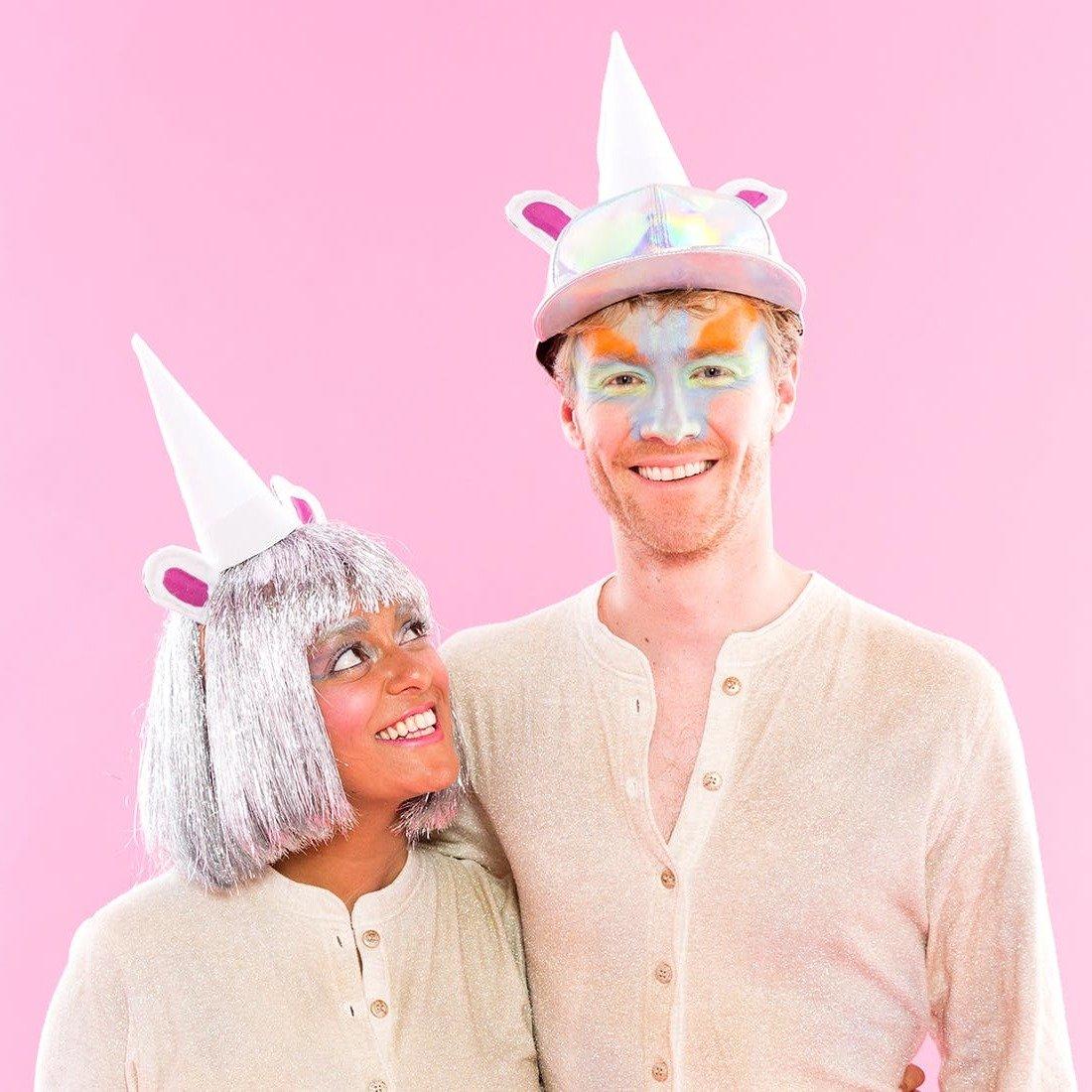 Partnerlook mit Einhorn Kostüm in Beige für Fasching