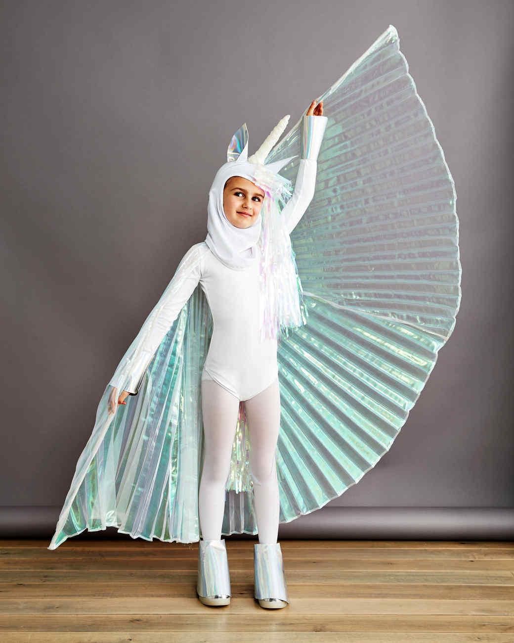 Einhorn Kostüm mit blauen Flügeln