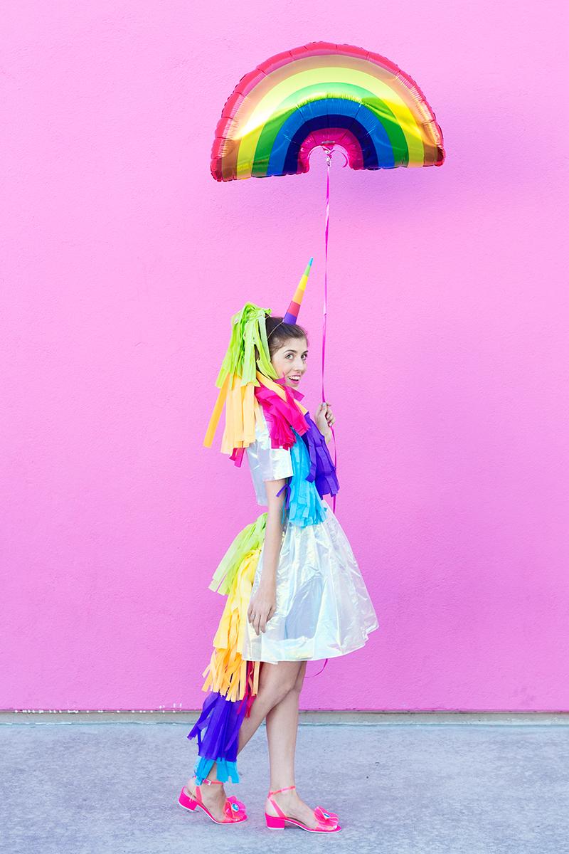 Einhorn Kostüm mit Regenbogen Schwanz