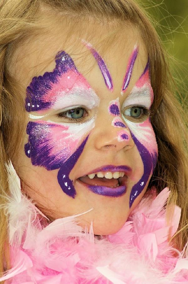 Kinderschminken Schmetterling für Karneval selber machen