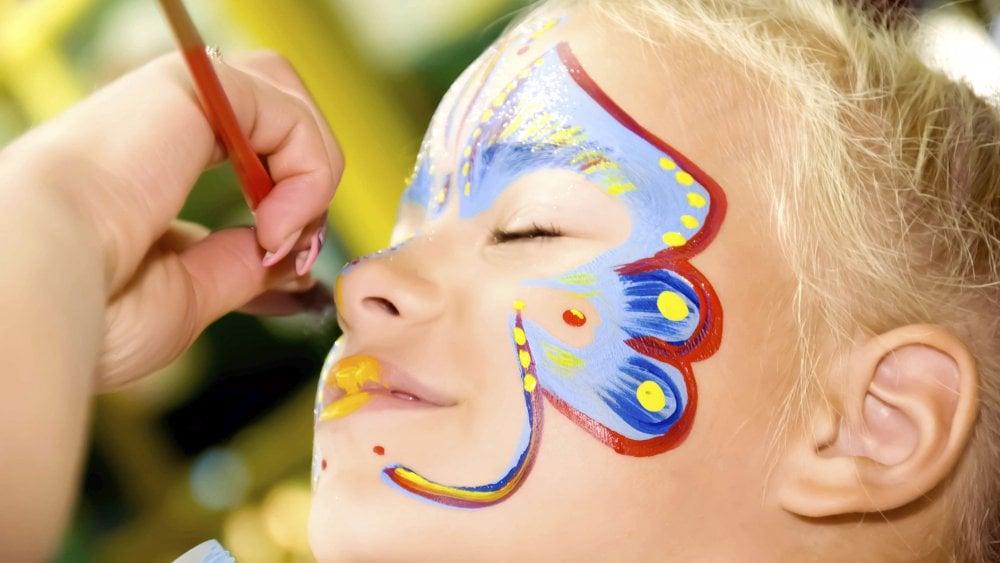 Kinderschminken Schmetterling - DIY Ideen zum Selbermachen