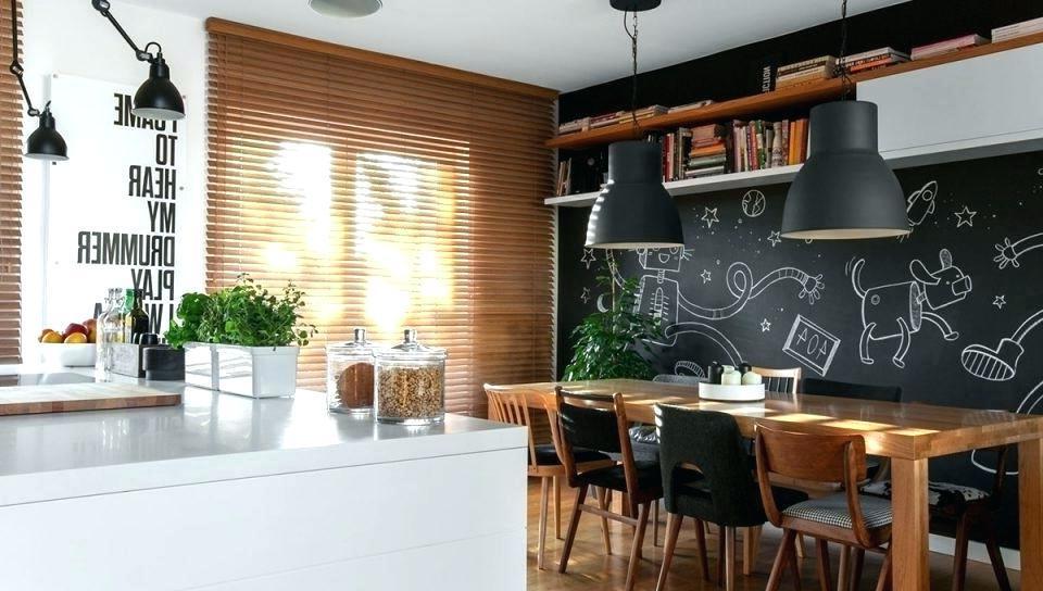 Kreidetafel Wand mit Holz in der Küche kombinieren