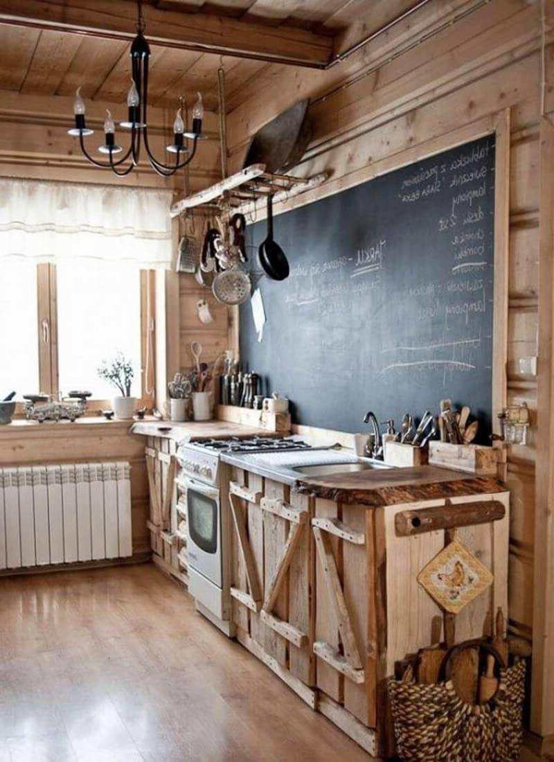 Kreidetafel als Akzent in einer Rustik Küche