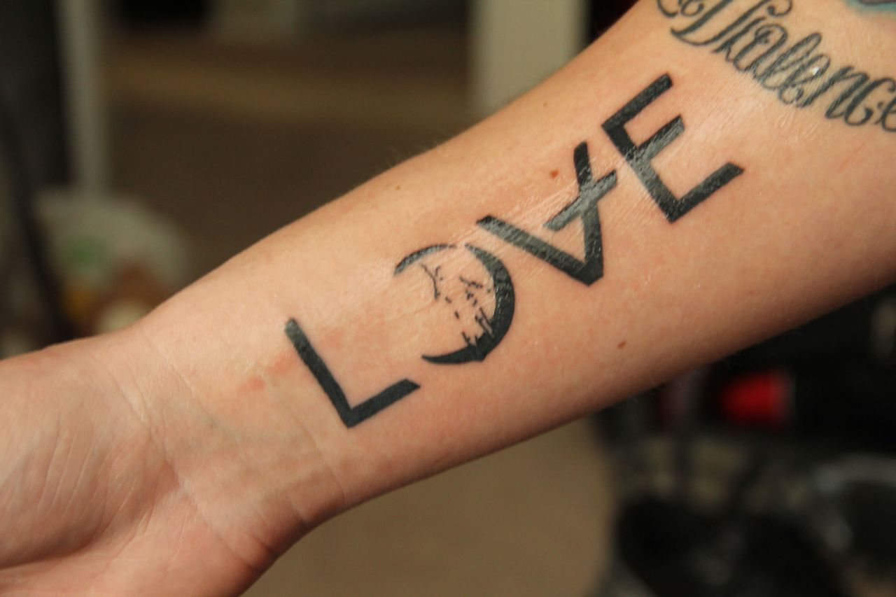 Liebes Tattoo - Design Ideen und Bedeutungen