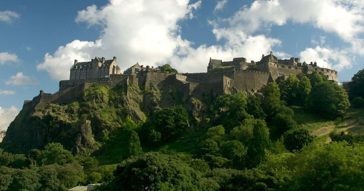 Städtetrip Europa: Schloss in Edinburgh
