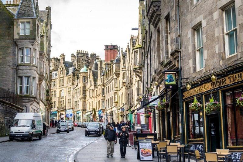 Städtetrip Europa: Straßen in Edinburgh
