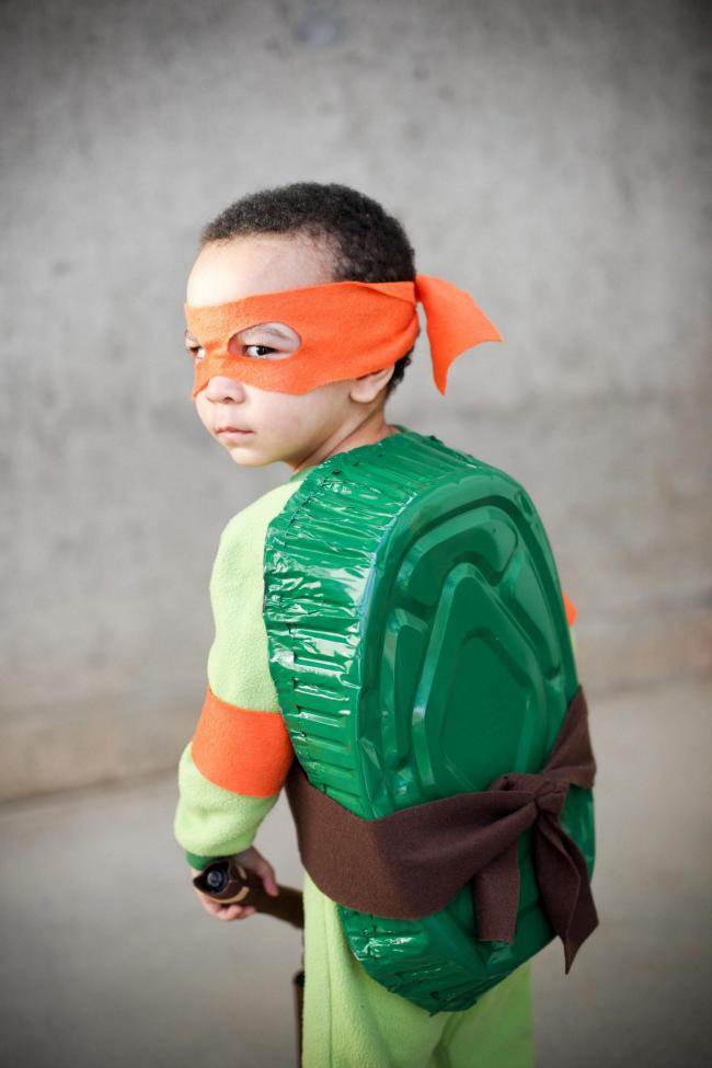Superhelden Kostüm selber machen Anleitung: Schritt 4