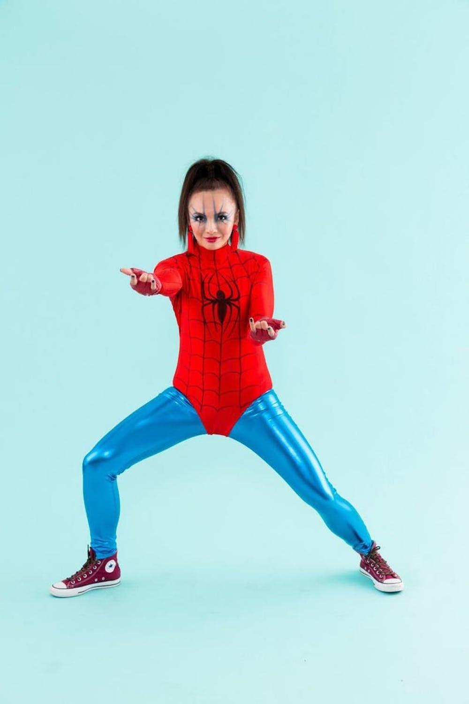 Superhelden Kostüm selber machen für Kinder und Erwachsene