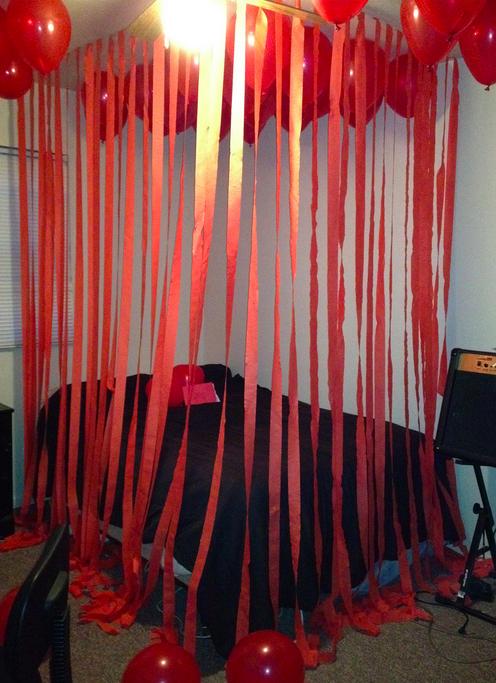 Ballonen, Herzen, Süßigkeiten für einen perfekten und romantischen Valentinstag