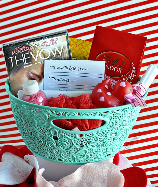 Alles nötig für einen romantischen Valentinstag in Körbchen selbst dekorieren