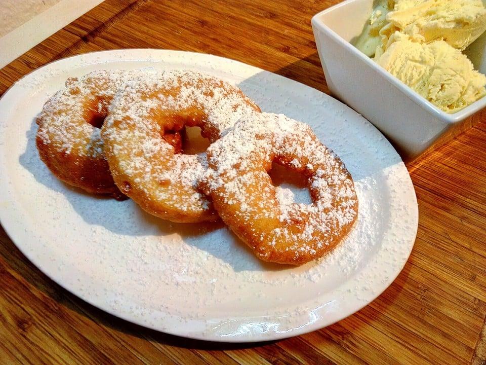 Donuts zubereiten aus Apfelringen