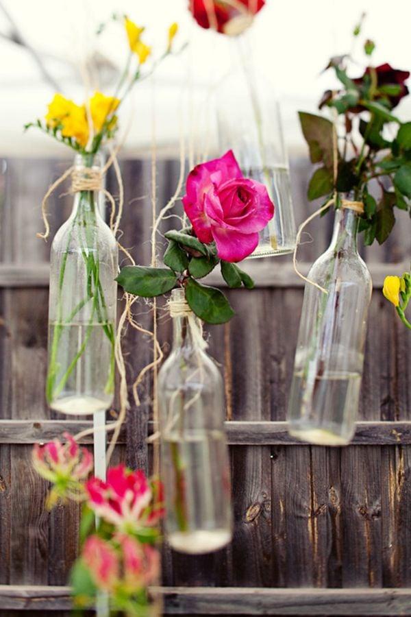 hängende Blumenbehälter Flaschen