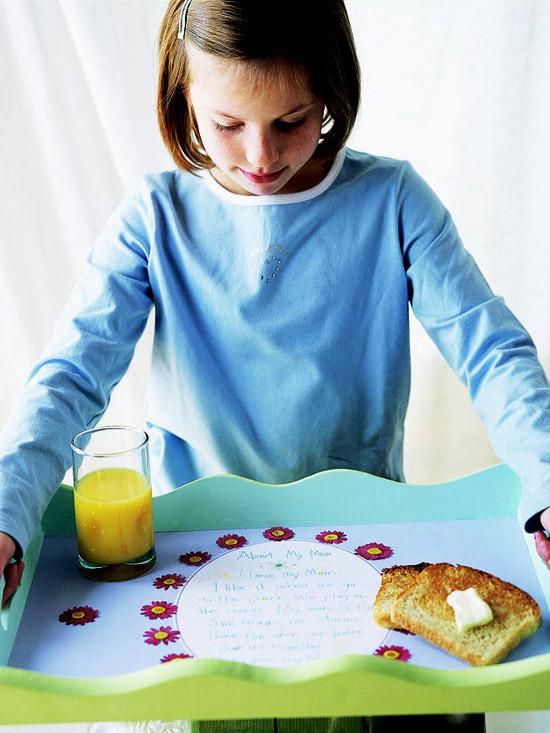 Überraschung Muttertag Frühstück im Bett