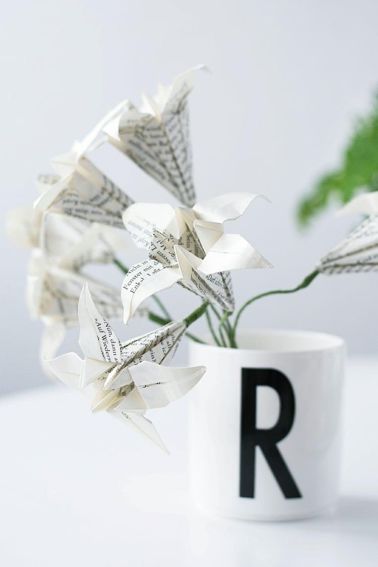 Frühlingsdeko selber machen Blumen falten Origami