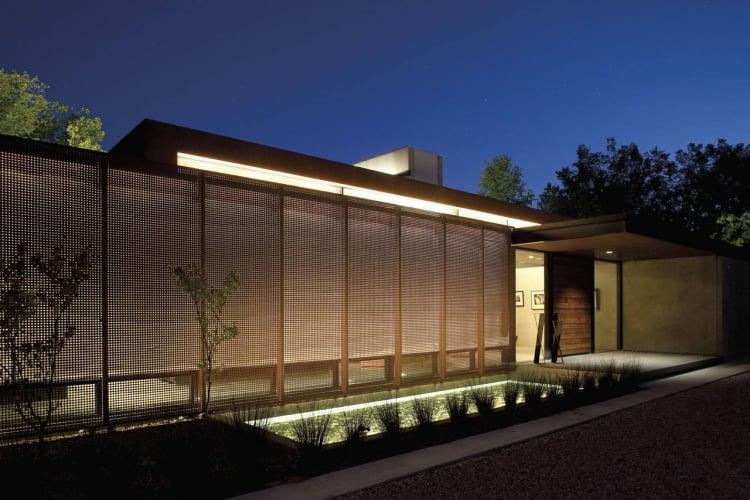 Sichtschutzzaun Stahl blickdicht LED Beleuchtung