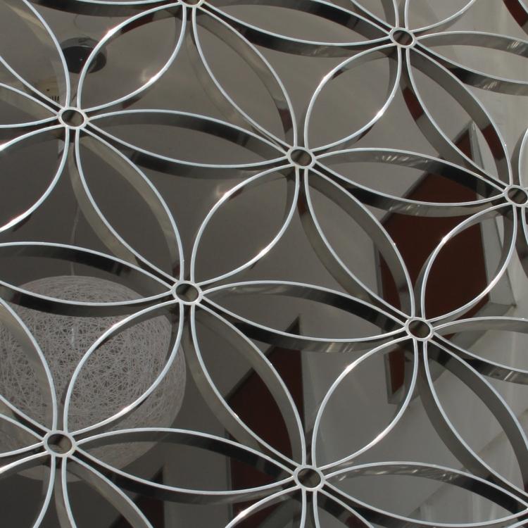 Sichtschutzzaun Aluminium Blumen transparent dekorativ