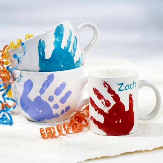 Muttertagsgeschenke basteln Porzellantassen verzieren