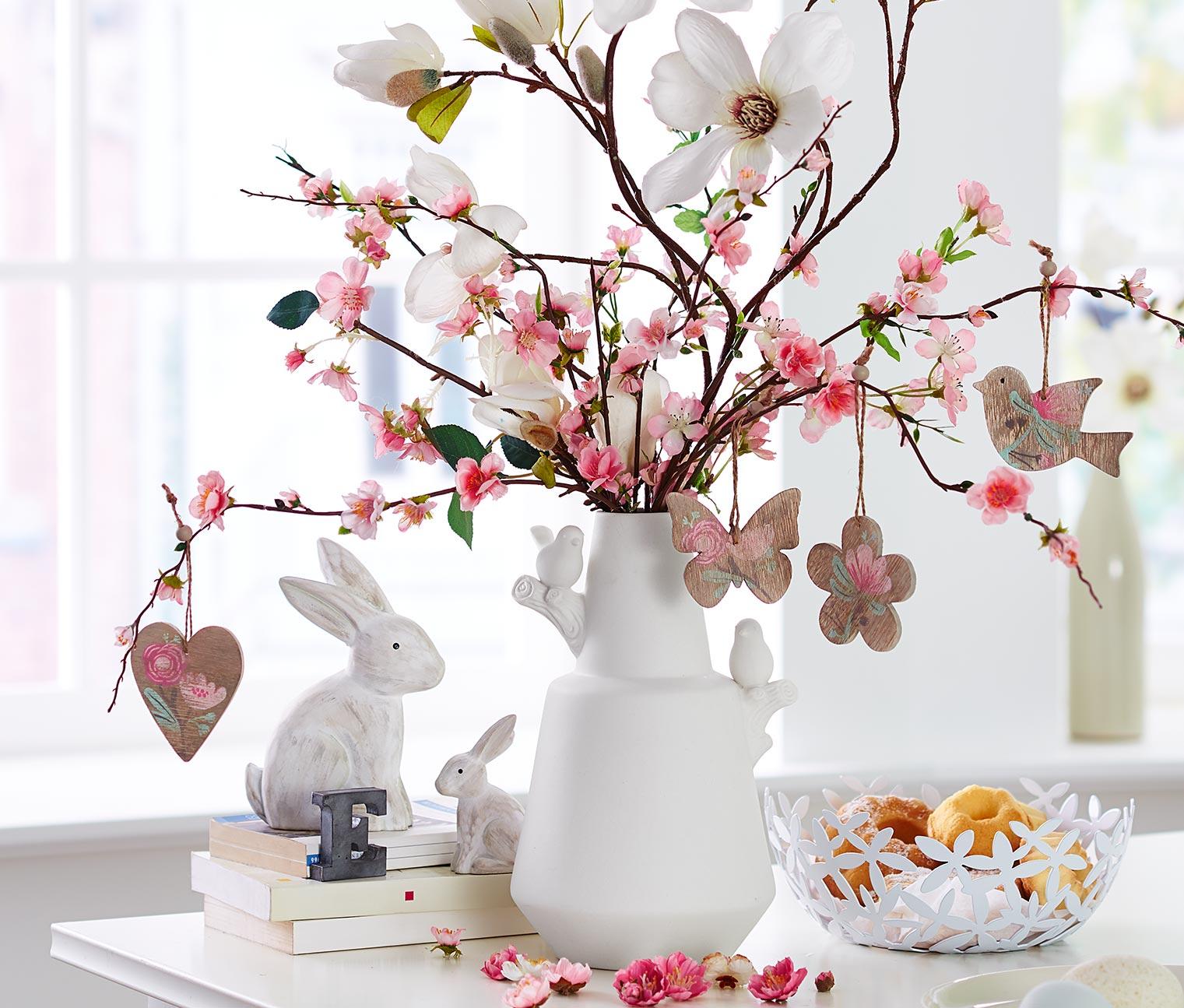 Frühlingsdeko selber machen Tischdeko Blumengestecke