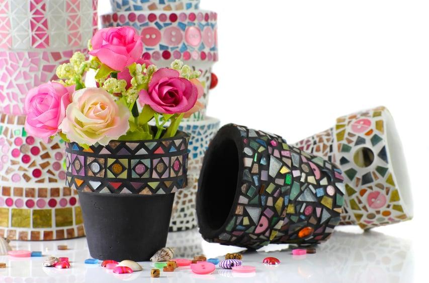 Frühlingsdeko selber machen Tontöpfe dekorieren