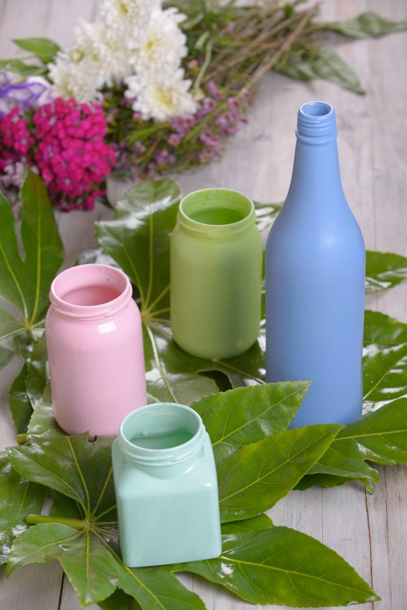 Frühlingsdeko selber machen Behälter Blumen