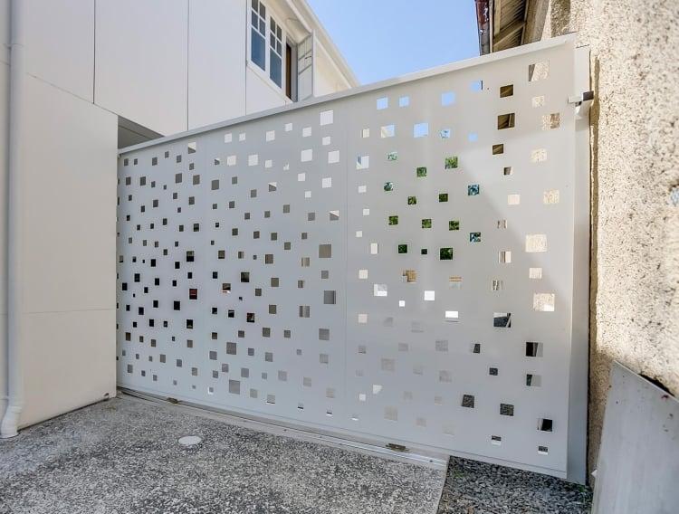 Schiebetür Garten Aluminium Perforation Laser